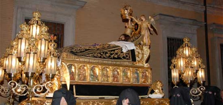 Cristo de la Cama - Patrón de la Hermandad de la Sangre de Cristo y figura principal de la historia de la Semana Santa en Zaragoza