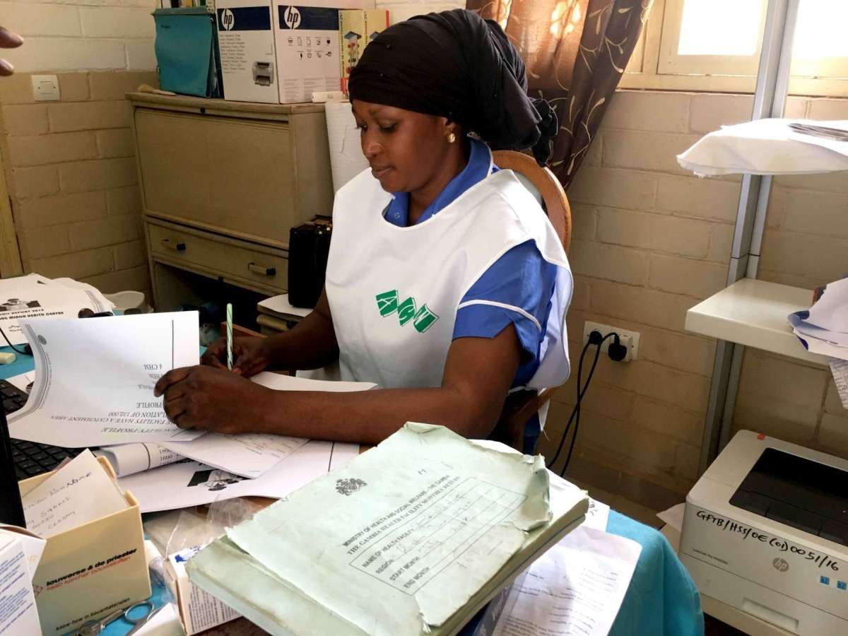 ARAMBIA - Personal de la asoicación gestionando su desarrollo en Gambia