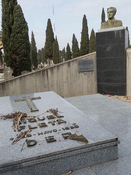 Tumba del Tenor en el Cementerio de Torrero