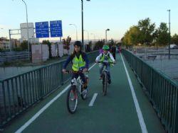 Ampliar foto: El CP Agustina de Aragón pone en marcha la primera ruta en bici del Camino Escolar