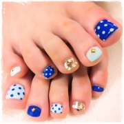 childishly easy toe nail design