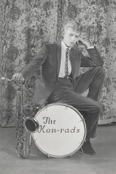 Promotional_shoot_for_The_Kon-rads_1963._Photograph_by_Roy_Ainsworth._Courtesy_of_The_David_Bowie_Archive_2012._Image__VA_Images