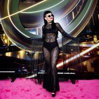 La artista argentina Cazzu fue la revelación de los Premios lo Nuestro . Y brilló en la alfombra roja con un  look Sexy GlamGótico por Pablo Ramirez.