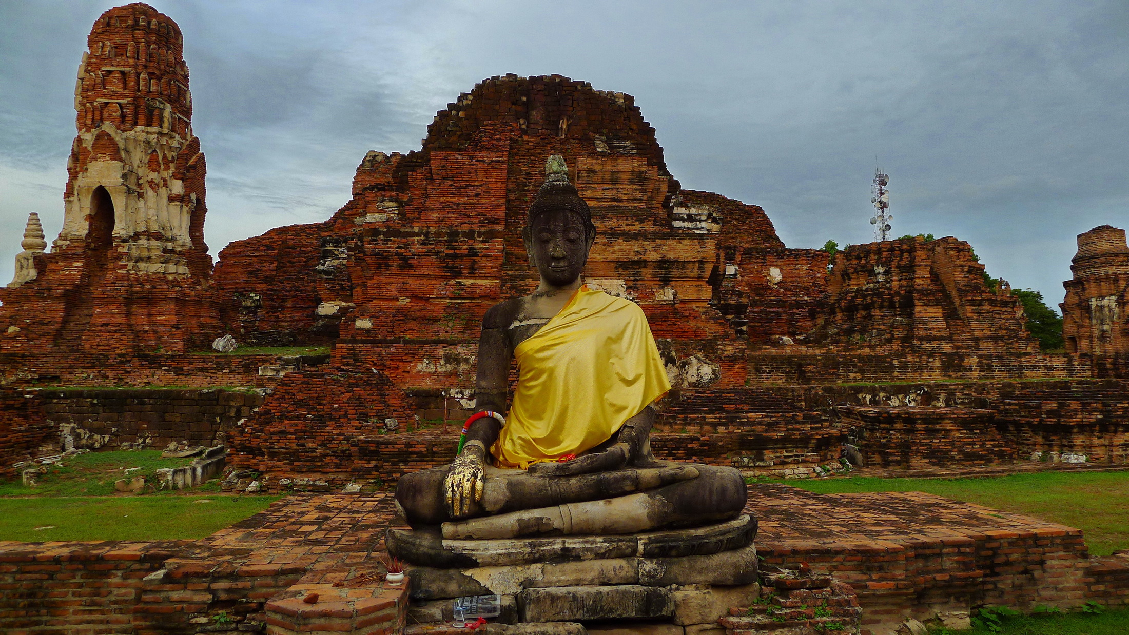 Buddha Hd Wallpaper 1080p Buddha On A Background Of Ruins Of The Temple At The