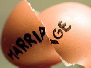 broken marriage, broken egg, shattered