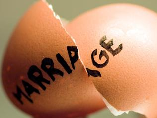 broken marriage, broken egg, shattered