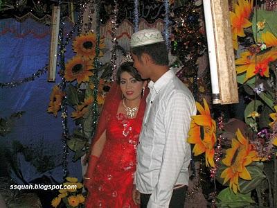 Cambodian Muslim bride and groom