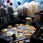 Pakistani baker makes traditional Ramadan food