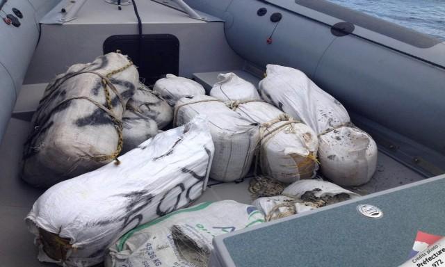 #ZayActu : 133 kgs de cannabis saisis sur un bateau en provenance de Saint-Vincent | ZayRadio.org