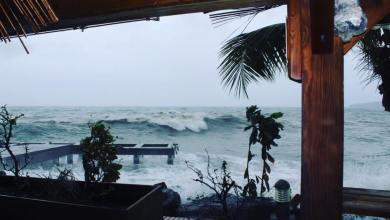 Photo of Le lilis bar touché par la houle de l'ouragan Maria