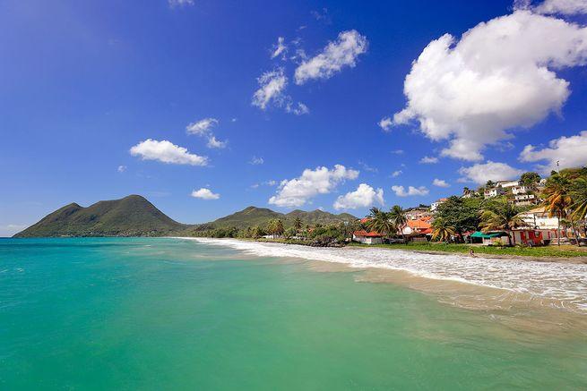 Photo de la plage du Diamant en Martinique.