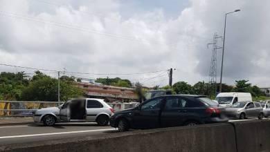 Photo of Accrochage entre deux véhicules sur l'autoroute