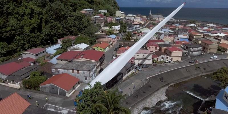 Éolienne : Impressionnant convoi exceptionnel à Grand-Rivière