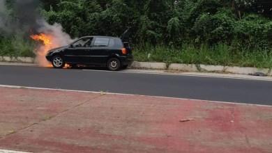 Photo of Une voiture détruite par les flammes dans la montée de Lestrade au Robert
