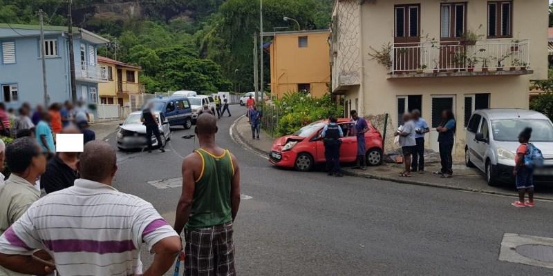 Deux voitures entrent en collision à Rivière-Pilote