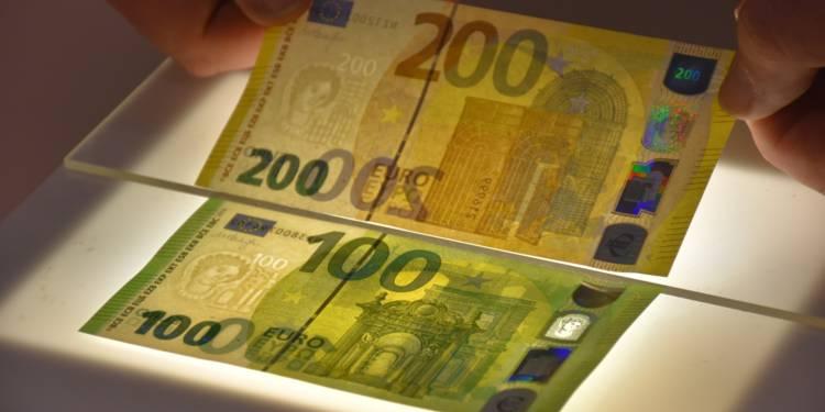 Les nouveaux billets de 100 et 200 euros dévoilés. Ils seront mis en circulation à partir du 28 mai 2019