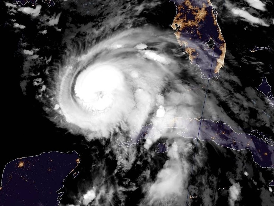 L'ouragan de catégorie 2 Michael avec des vents puissants menace la Floride