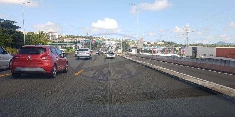 (VIDÉO) Des travaux d'enrobé sur l'autoroute et des embouteillages monstres