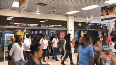 Photo of Black Friday : ils étaient nombreux dès 4 heures à la Galleria
