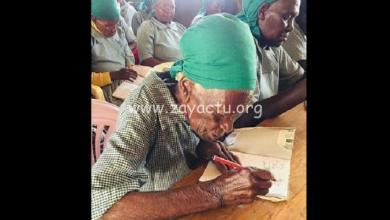 Photo of Kenya : elle s'inscrit à 95 ans pour la première fois à l'école pour apprendre à lire et écrire