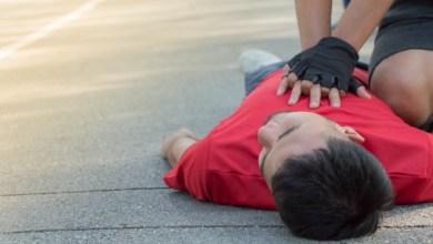 Photo of Un professeur victime d'un malaise cardiaque en pleine séance de sport sauvé par ses élèves