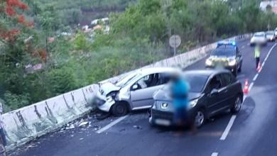 Photo of Accident de la route à Case-Pilote. Deux voitures impliquées
