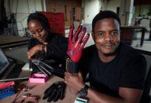 Photo of Afrique : Un jeune kenyan invente des gants qui convertissent la langue des signes en audio