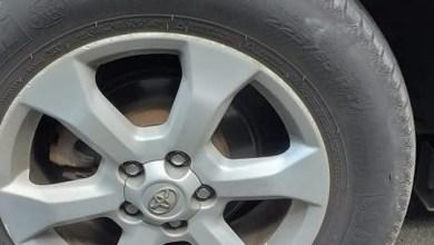 """Photo of """"J'ai garé mon véhicule le temps d'effectuer des soins et à mon retour je retrouve mes 4 pneus crevés"""""""