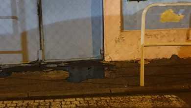 Photo of De l'huile de vidange déversée devant l'école primaire de Pelletier au Lamentin
