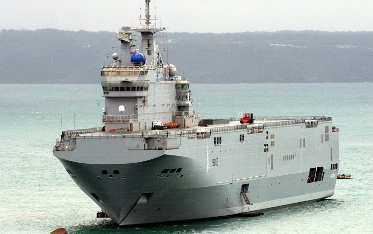 Le porte-hélicoptère l'amphibie Mistral bientôt déployé aux Antilles Guyane.