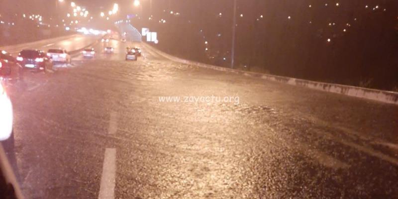 L'autoroute gorgée d'eau