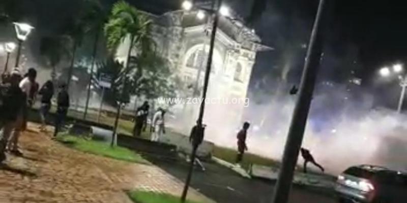 Affrontements entre forces de l'ordre et manifestants à Fort-de-France