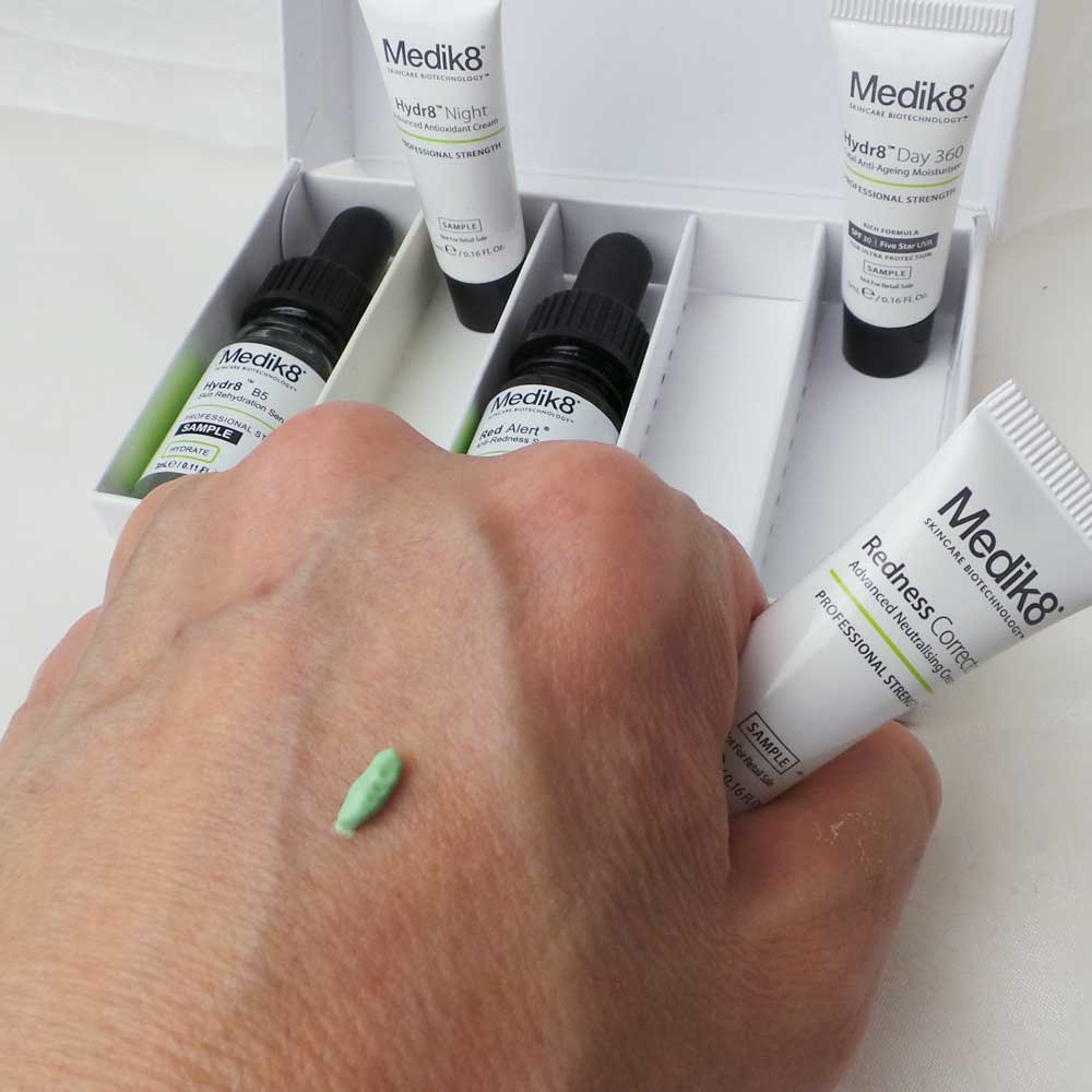 medik8-skincare-bio-technology-yustsome-zazzoo-3a