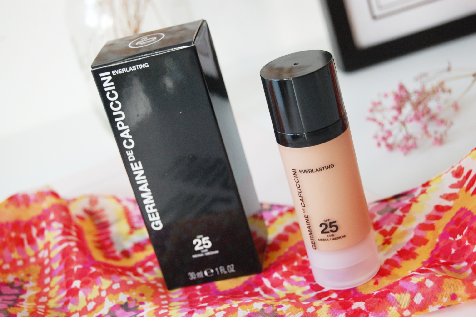 Germaine de Capuccini Dress Your Skin make-up