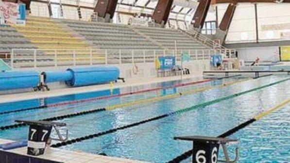 Napoli  Giovane nuotatore 17enne muore mentre si allena