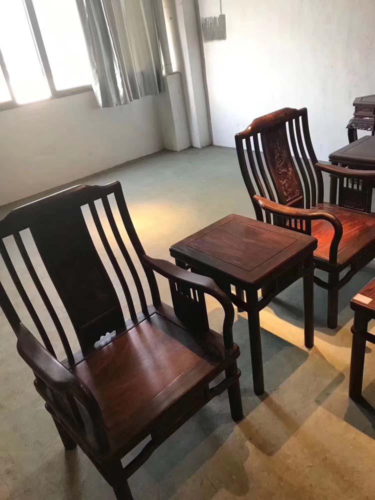 大紅酸枝梳背椅沙發十件套 - 名木坊