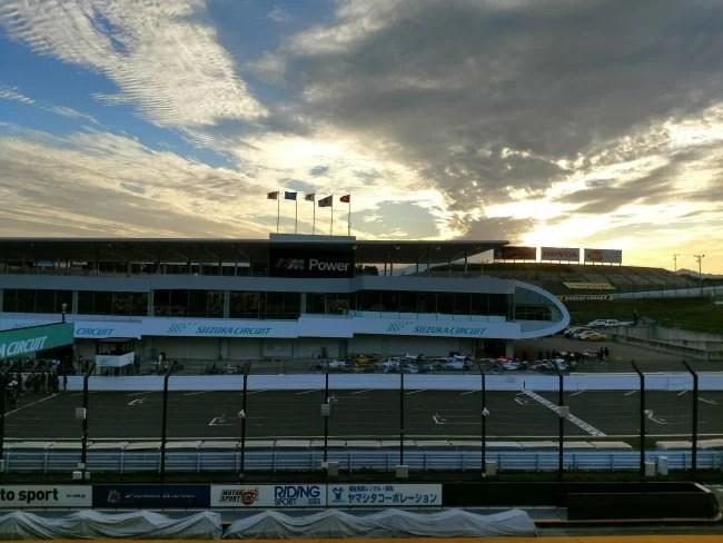 Moto Z単体カメラで撮影した鈴鹿サーキットの夕日