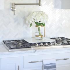 Kitchen Countertop Decor Modular Outdoor 9 Simple Tips For Styling Your Counters Zdesign At Home How To Decorate Counter Tops