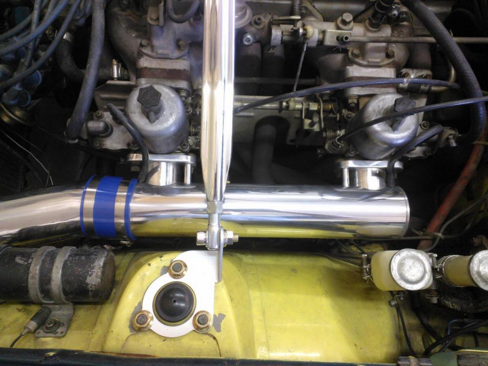 medium resolution of 240z cold air intake