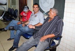 Momento em que Adonei Aguiar é preso por distribuir panfletos apócrifos em Curionópolis
