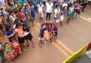 Crianças recebem revista que aeta para abusos sexuais em Abaetetuba