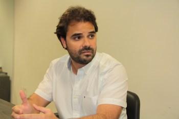 Toni Cunha convoca imprensa para entrevista coletiva neste sábado