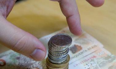Governo estuda alterar rendimento das cadernetas de poupança
