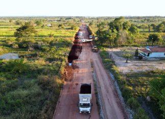 Programa leva asfalto para VS-52 que liga zona rural ao centro urbano de Canaã