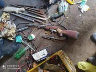 Tailândia: PM flagra e fecha fábrica clandestina de armas de fogo; uma pessoa foi presa