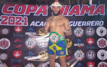 Felipe Gerônimo é campeão pan-americano de kickboxing na cidade de Acapulco, no México