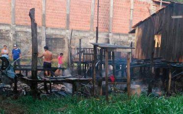 Tucuruí: Duas casas são destruídas em incêndio no Bairro Beira Rio