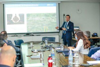 Prefeita Josemira apresenta projeto do Aeroporto de Canaã em reunião com Infraero