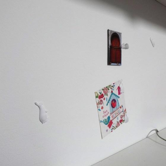Woonidee: Magneetverf op de muur in de logeerkamer.