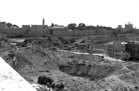 שטח ההפקר בין ירושלים המערבית והמזרחית ויקישיתוף
